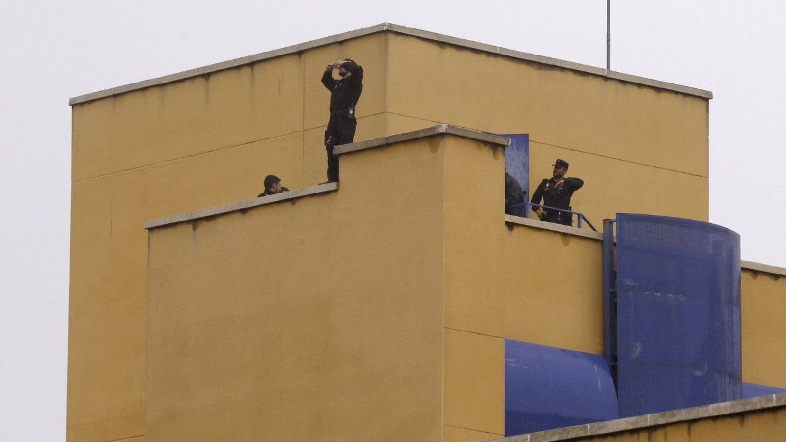 Foto: Motín en el Centro de Internamiento de Extranjeros de Aluche, el pasado 19 de octubre. (EFE)