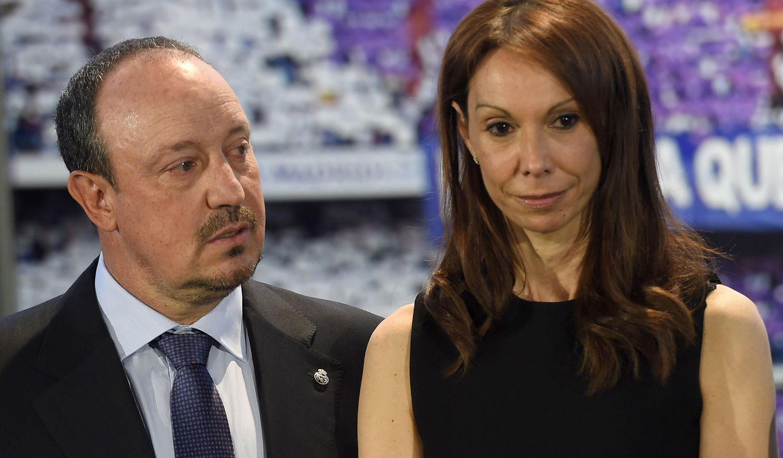 Foto: Rafa Benítez con su mujer (Gtres)