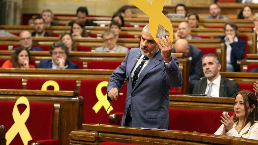 Puigdemont afirma que Cs retira el lazo amarillo por su deriva nacionalfalangista