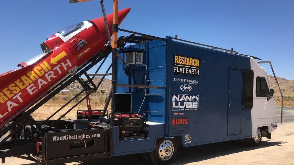 Foto: El cohete casero con el que Hughes quiere demostrar que la Tierra no es redonda.