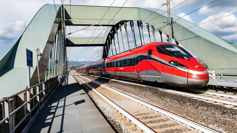 Los trenes Frecciarossa 1000 de Bombardier que circularán en el AVE español. (Trenitalia)