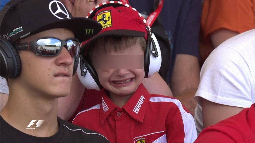 Foto: El niño francés de 6 años cuando vio el abandono de Raikkonen. (Foto: Twitter de @F1)