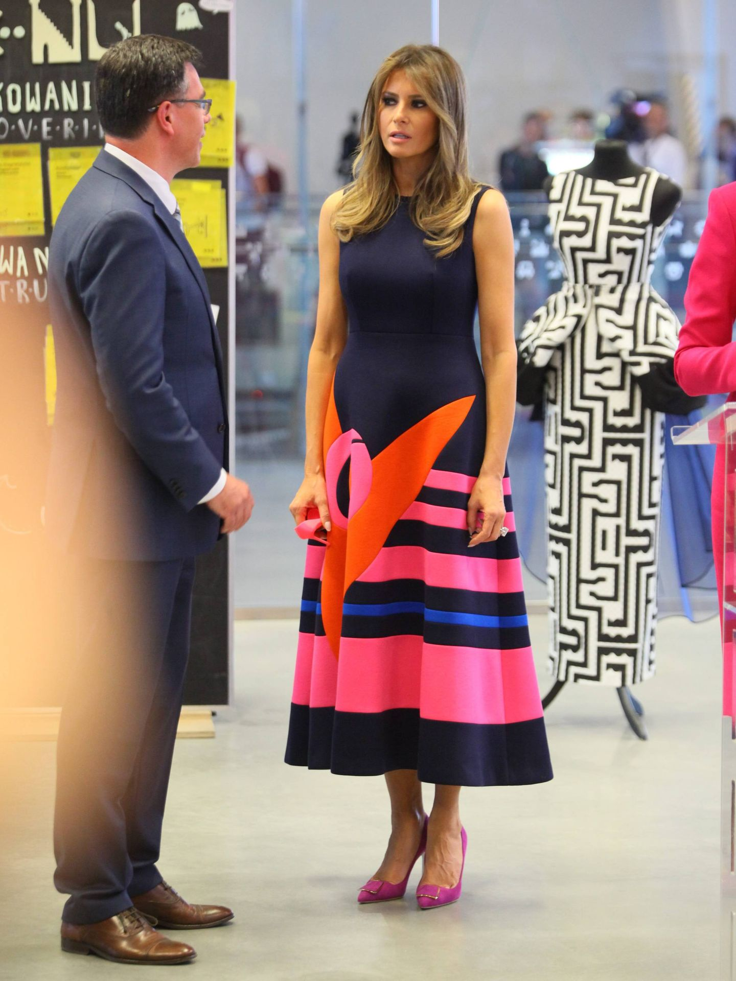 Melania Trump luce un vestido de Delpozo. (Cordon)