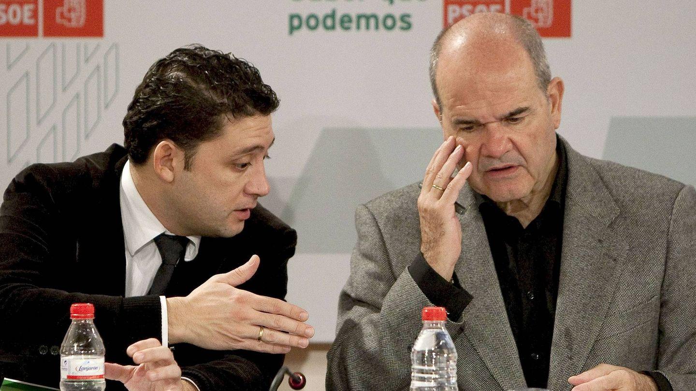 Rafael Velasco (i), con Manuel Chaves (d). (Efe)
