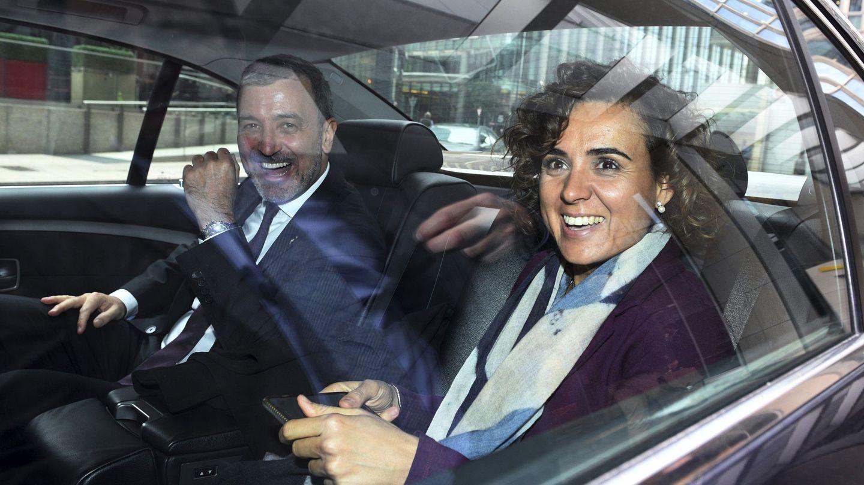 La ministra de Sanidad, Dolors Montserrat, y el teniente de alcalde barcelonés Jaume Collboni. (EFE)