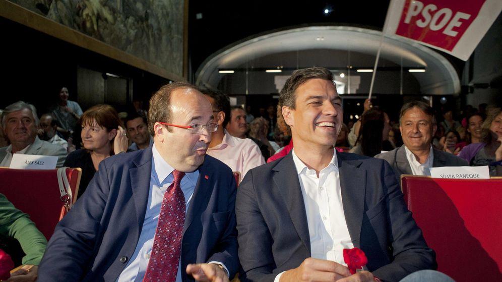 Foto: Pedro Sánchez y Miquel Iceta, momentos antes de un mitin de campaña de las municipales del 24-M en Girona, el pasado 19 de mayo. (EFE)