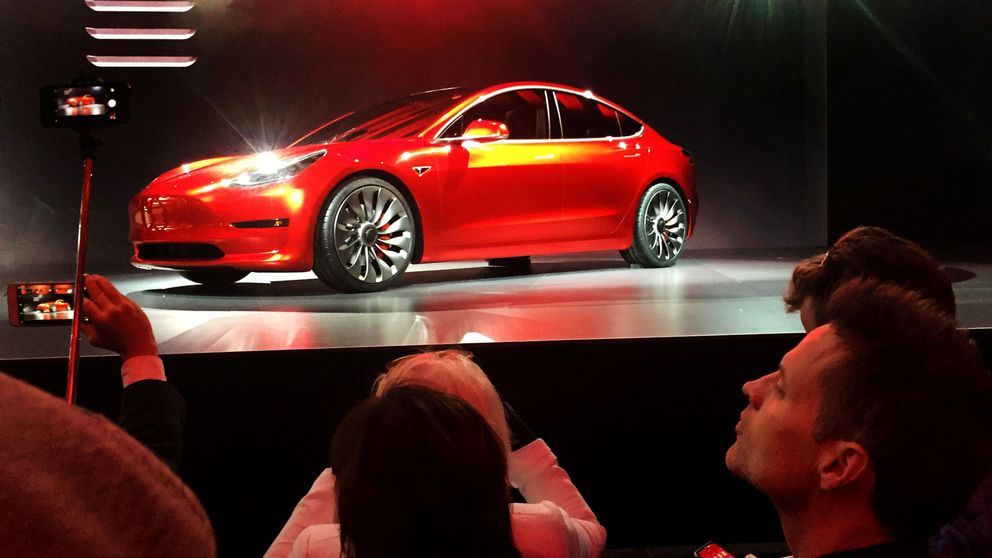Tesla, la constructora automovilística de Elon Musk, solo venderá coches 'online'