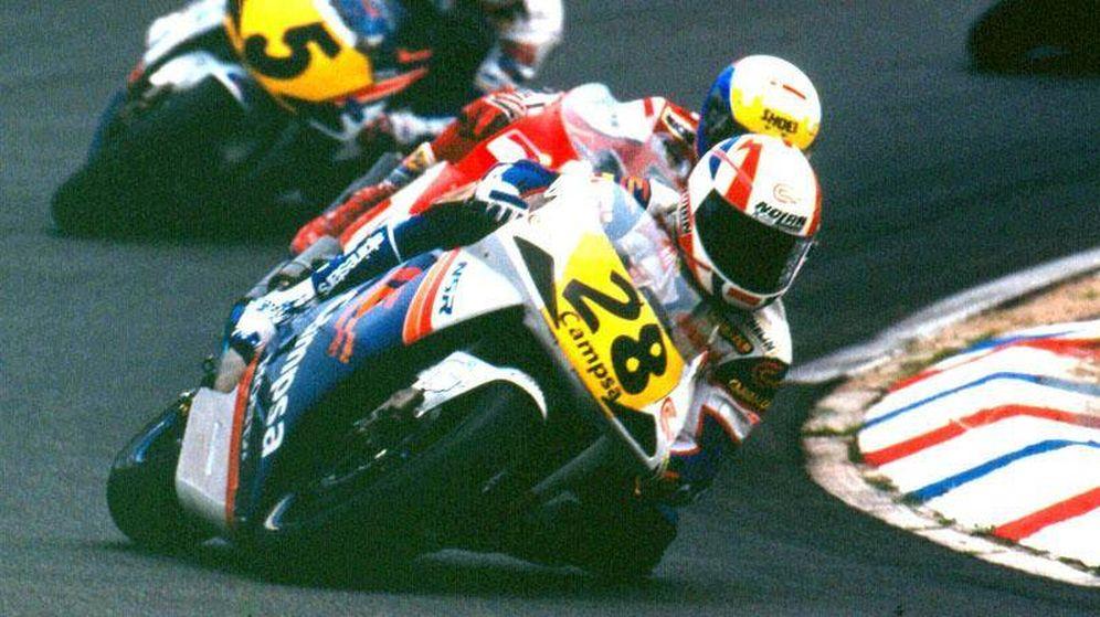 Foto: Álex Crivillé liderando el GP de Holanda de 1992 en Assen. (MotoGP)