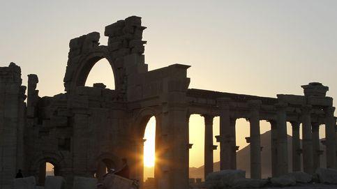 El Estado Islámico decapita al responsable de Museos de Palmira en la plaza de la ciudad