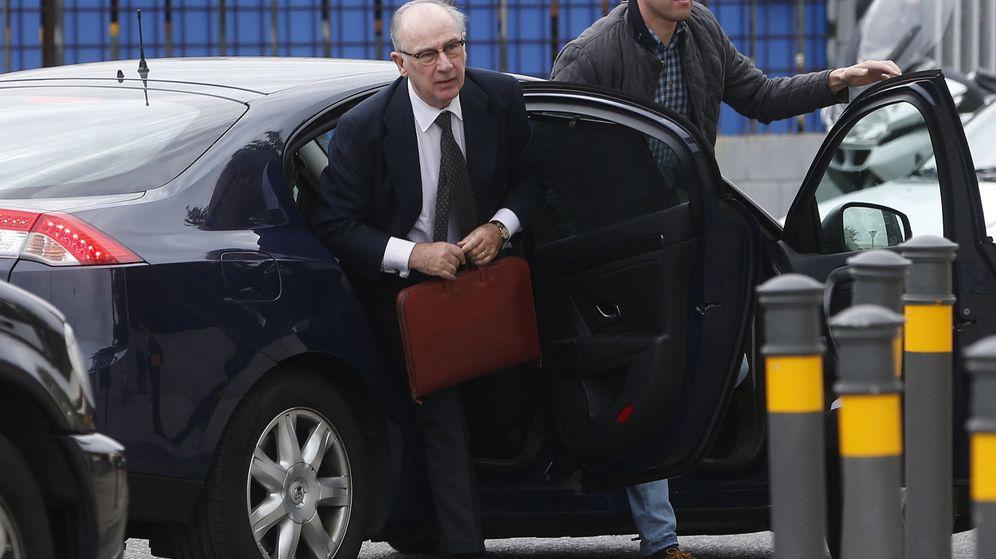 Foto: Fotografía de archivo del expresidente de Caja Madrid a su llegada a la Audiencia nacional por el juioci de las tarjetas 'black'. (EFE)