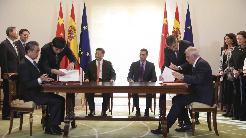 España se alinea con China contra Trump y defienden combatir el proteccionismo