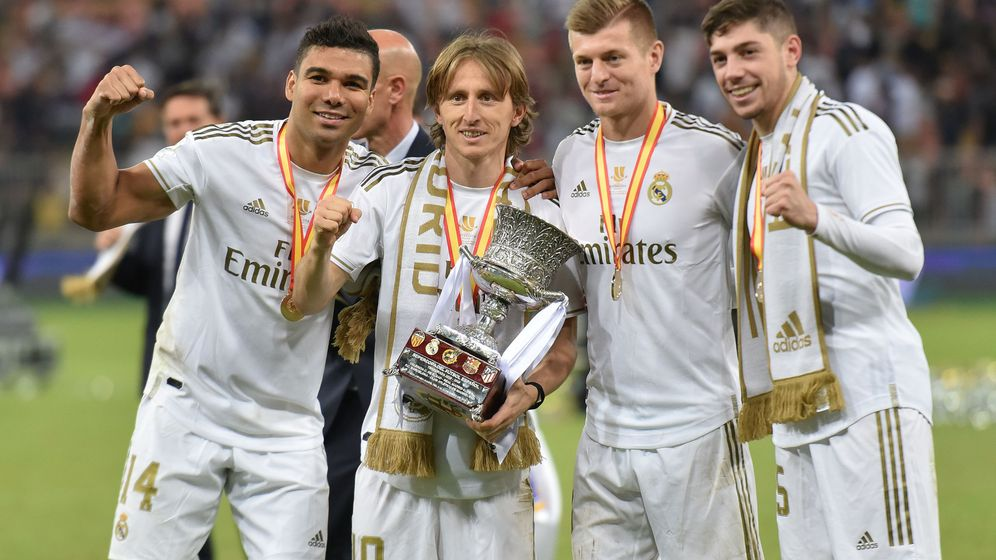 Foto: Modric y Kroos junto a Casemiro y Fede Valverde tras ganar la Supercopa de España. (Efe)