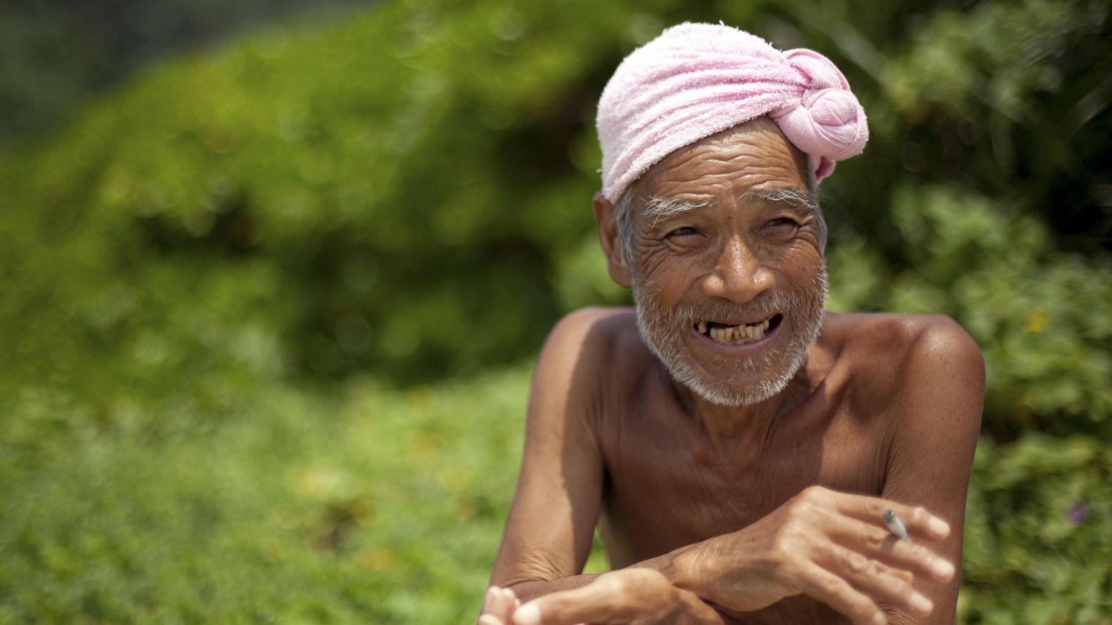 Foto: Nagasaki, un heremita de 76 años que vive en la isla Sotobanari, en Okinawa. (Reuters/Yuya Shino)