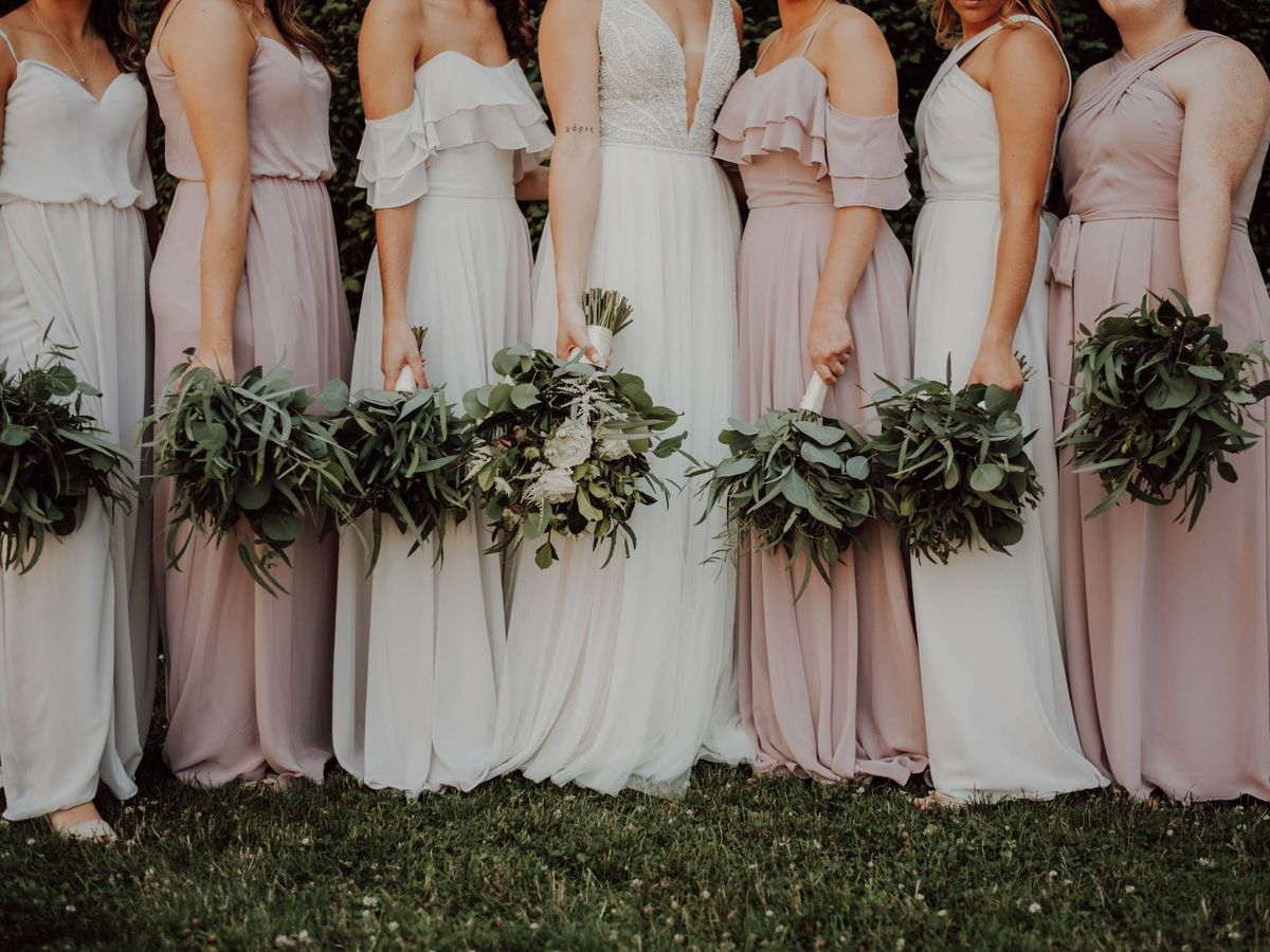 Foto: Decide si quieres tener damas de honor en tu boda. (Fotografía de Katelyn MacMillan para Unsplash)