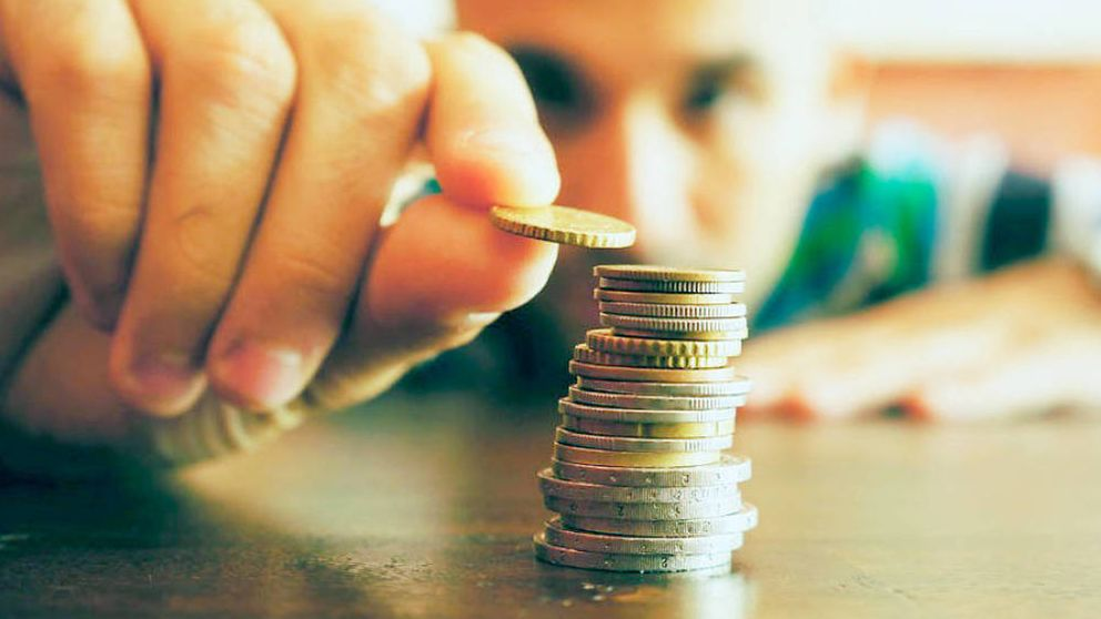 La gran empresa acelera el pago de dividendos (16,7%) y enfría salarios (0,2%)