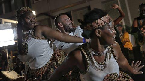 El baile tribal de Aleix Vidal y el Sevilla en Tanzania
