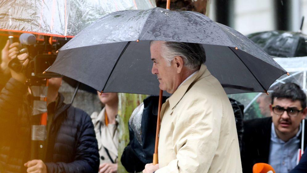 Foto: Luis Bárcenas, entrando a declarar en la Audiencia Nacional. (Reuters)