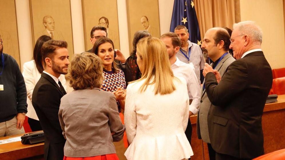 Foto:  La Reina y Pelayo Díaz en el Congreso de los Diputados. (Casa Real)