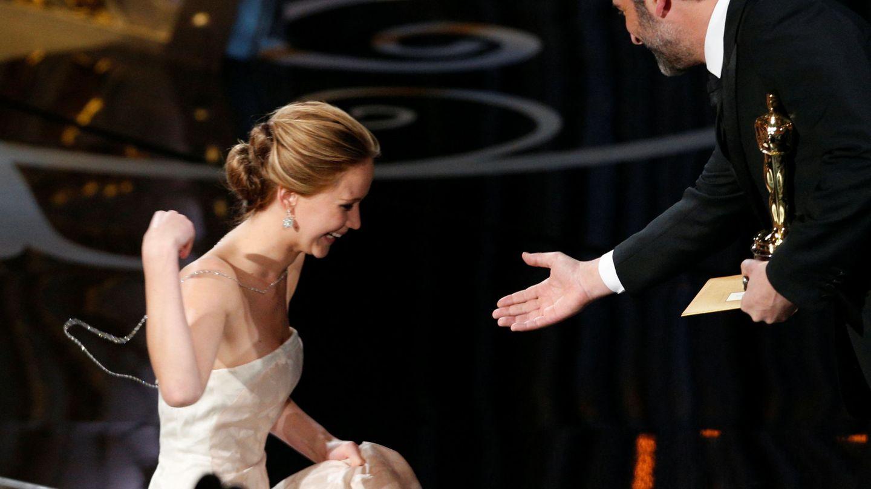 Jennifer Lawrence, recibiendo su Oscar. (Reuters)