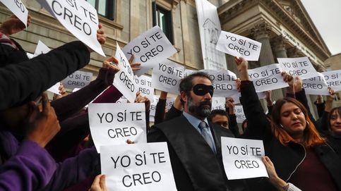 Podemos contra los jueces machistas y huelga de estibadores en Portugal: el día en fotos