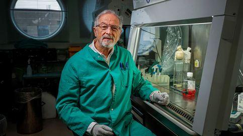 Los científicos que ves en la tele no están aún vacunados contra el virus... ¡y trabajan con él!