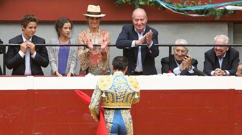 Don Juan Carlos, doña Elena y Froilán, cena en Arzak y tarde de toros