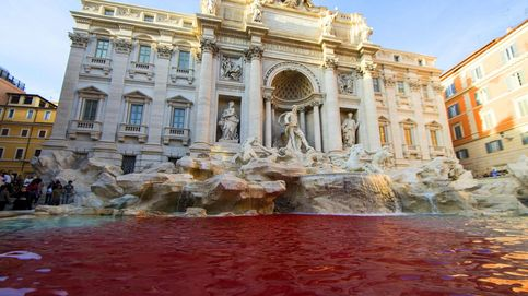 Detenido por teñir de rojo el agua de la Fontana de Trevi