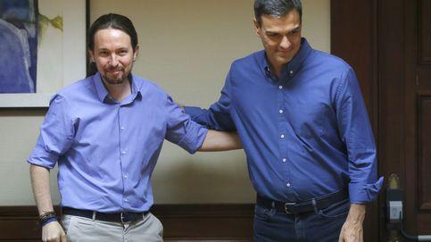 Sánchez e Iglesias firman su primer pacto para forzar que Rajoy dé cuentas