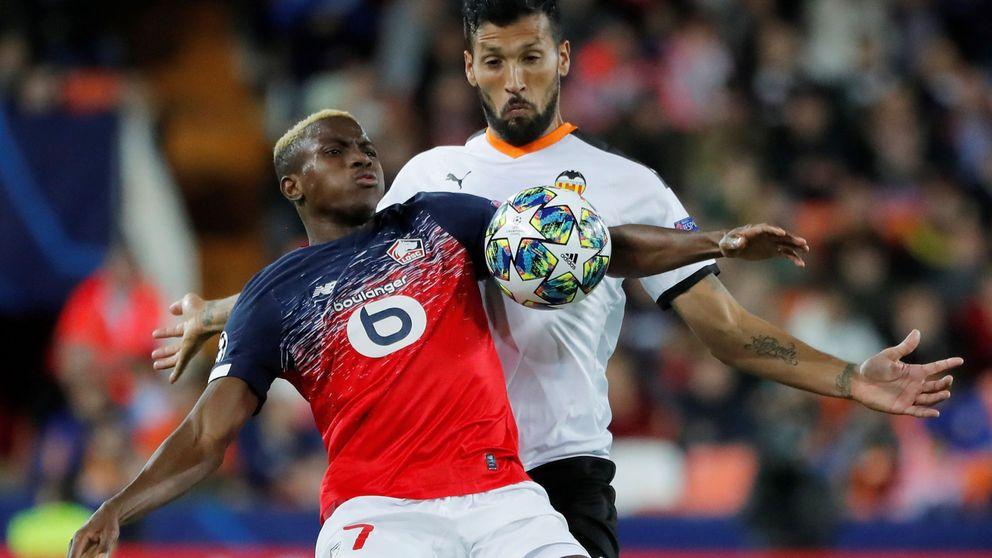 El Valencia, primer club de la Liga con futbolistas afectados por coronavirus