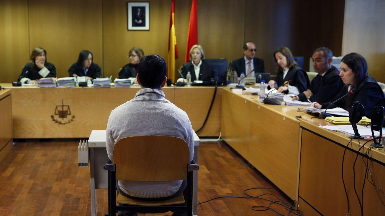 Foto: Imagen del juicio al profesor del colegio Vallmont celebrado el pasado 24 de enero. (EFE)