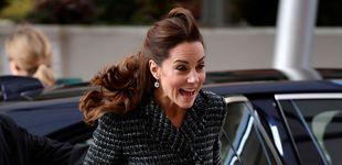 Post de Kate Middleton y su pequeño contratiempo con el viento y su minifalda