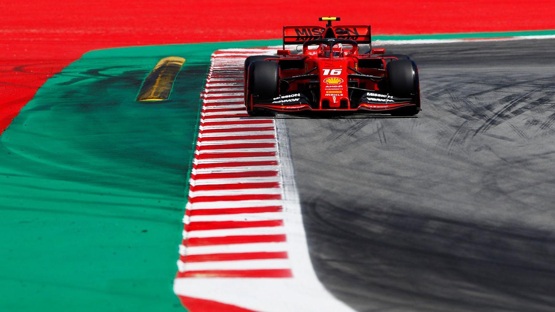 Leclerc pone en evidencia a Vettel, pero no acaba de tirar del carro italiano. (Reuters)