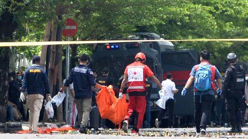 Dos atacantes muertos y 20 heridos en un atentado contra una iglesia en Indonesia