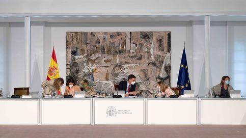 Sánchez alimenta batallas entre sus ministros antes de la crisis de Gobierno