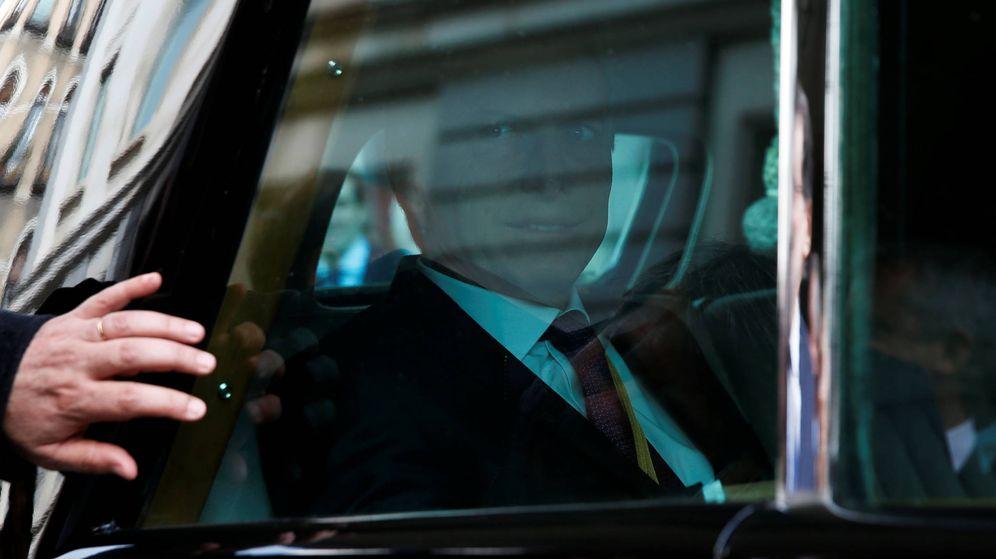 Foto: El presidente de Argentina, Mauricio Macri, abandona el Parlamento español durante su visita a Madrid. (Reuters)