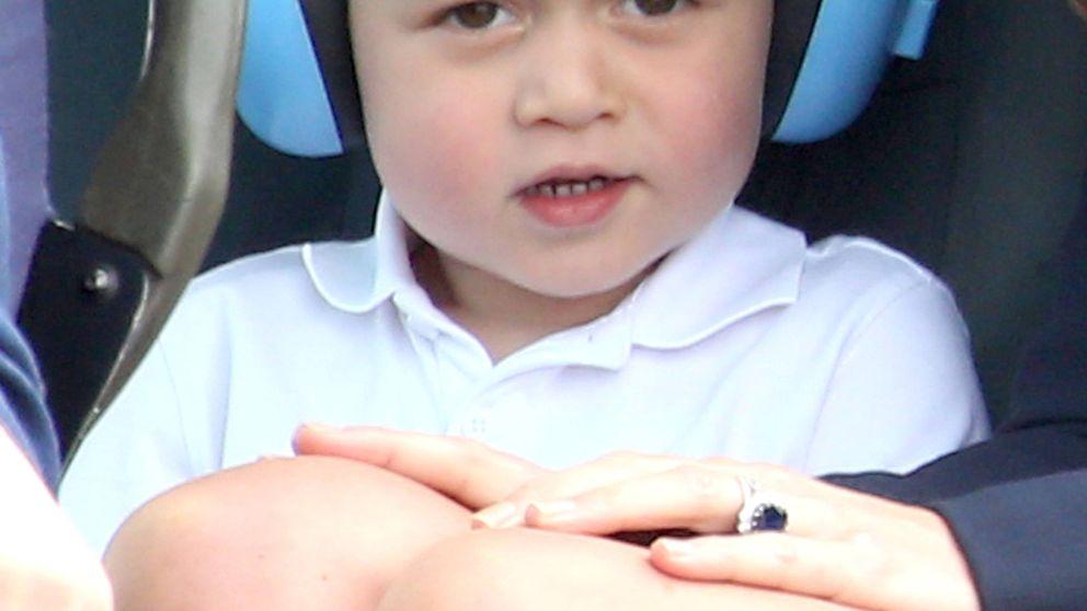 El príncipe George, un pequeño hombrecito de dos años que regresa a la agenda oficial