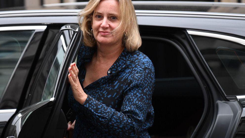 Dimite la ministra de Trabajo y denuncia una purga de Boris Johnson