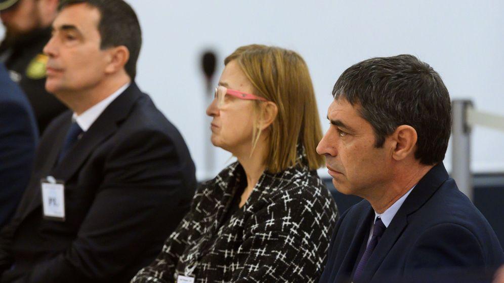 Foto: Soler junto a Trapero. (EFE)