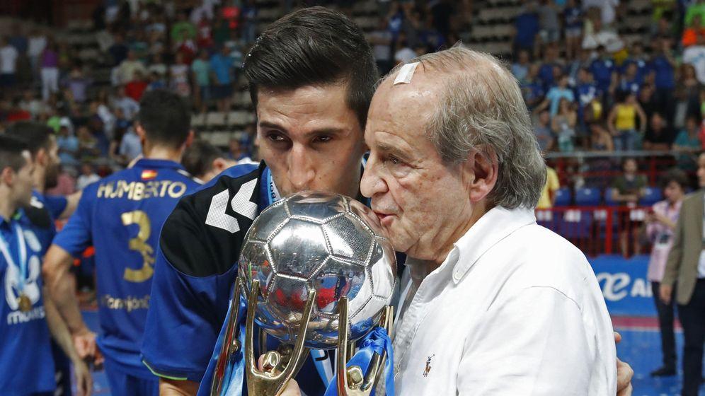 Foto: José María García celebra el título de liga del Movistar Inter en 2017. (EFE)