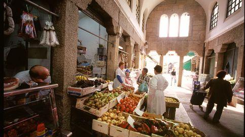 Los supermercados eclipsan a los mercados de abastos, en caída libre desde 2009