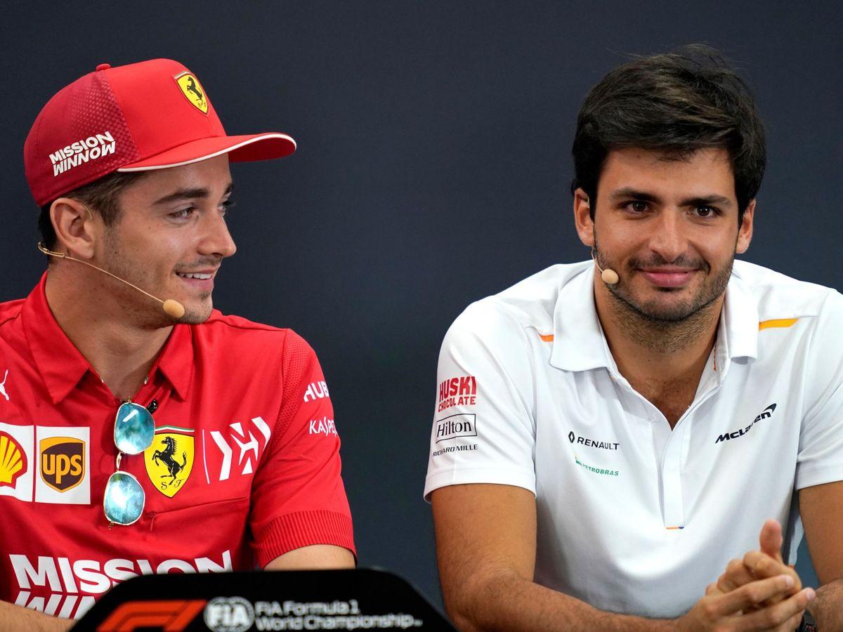 Foto: Carlos Sainz junto a Charles Leclerc, ¿compañeros en un futuro? (EFE)
