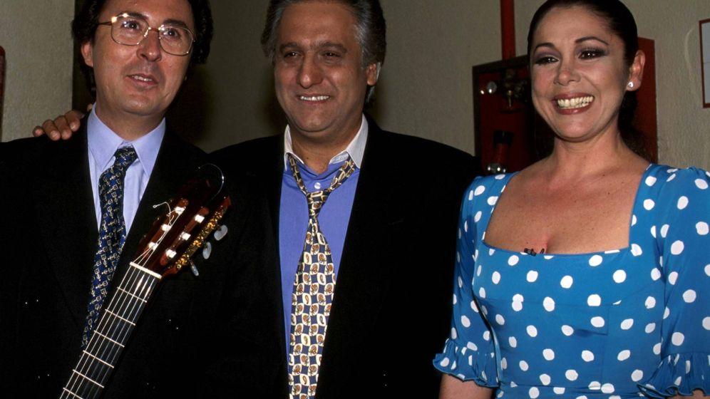Foto: Chiquetete con Isabel Pantoja. (Cordon Press)