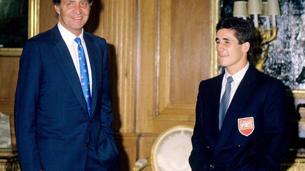 Foto: Don Juan Carlos y Poli Díaz. (EFE)