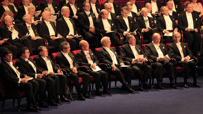 Foto: Reunión de ganadores del Premio Nobel de Literatura en 2010. (Reuters/P. K.)