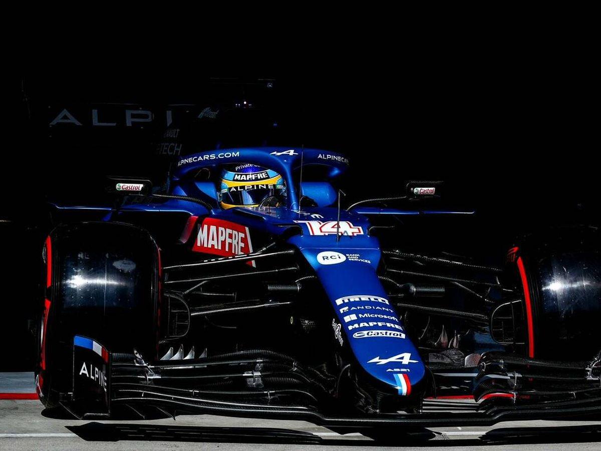 Foto: La salida será clave para el desarrollo del Gran Premio, y Alonso sale por la zona limpia, en un circuito que marca diferencias en este aspecto.