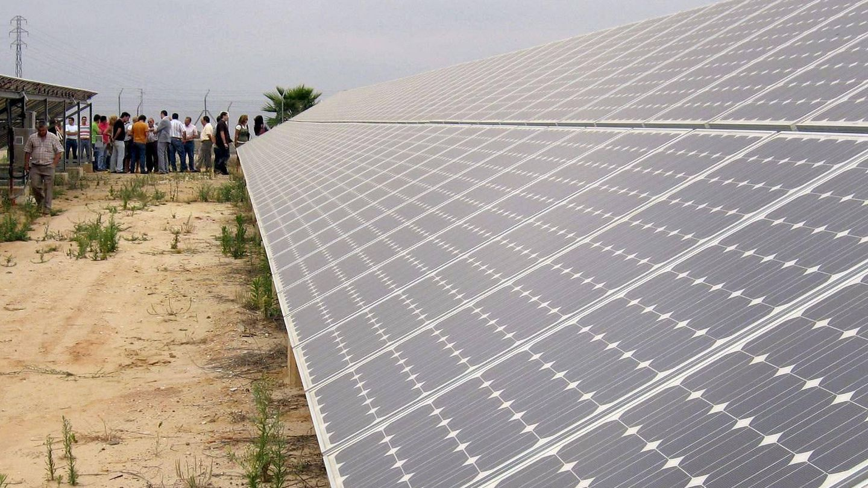 El avance de las renovables favorece la generación distribuida de energía (EFE)