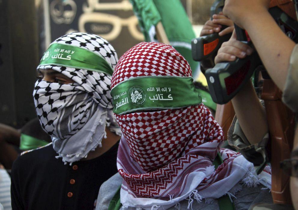 Foto: Simpatizantes de Hamás participan en una manifestación de apoyo al movimiento y en contra de Israel . (EFE)