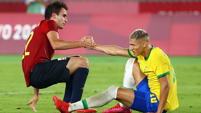 Eric García y Richarlison durante el duelo. (Reuters)