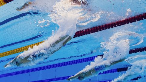 Bajo en agua en la final de 100m estilo mariposa