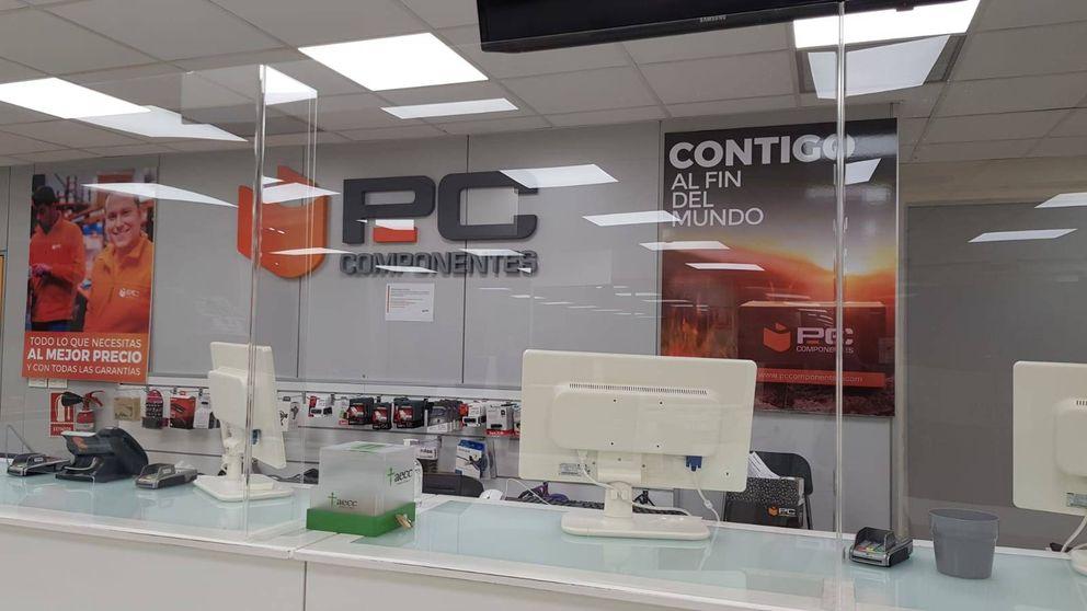 PC Componentes cabrea a sus empleados por abrir al público: Vienen a por una PS4